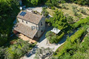 L'Agenzia Immobiliare Puzielliproponeprestigioso casale ristrutturato in vendita a Ripatransone (7)
