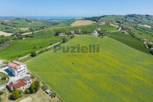 L'Agenzia Immobiliare Puzielliproponeterreno edificabile in vendita a Fermo (4)