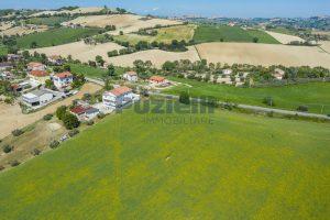 L'Agenzia Immobiliare Puzielliproponeterreno edificabile in vendita a Fermo (6)