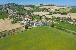 L'Agenzia Immobiliare Puzielliproponeterreno edificabile in vendita a Fermo (7)