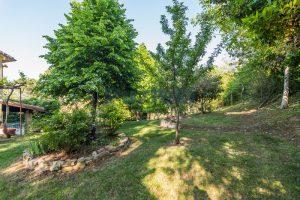 L'Agenzia Immobiliare Puzielliproponevilla con parco in vendita vicino Ascoli Piceno nelle Marche (15)