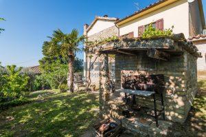 L'Agenzia Immobiliare Puzielliproponevilla con parco in vendita vicino Ascoli Piceno nelle Marche (18)