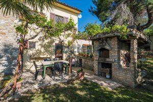 L'Agenzia Immobiliare Puzielliproponevilla con parco in vendita vicino Ascoli Piceno nelle Marche (19)