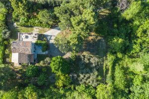 L'Agenzia Immobiliare Puzielliproponevilla con parco in vendita vicino Ascoli Piceno nelle Marche (2)