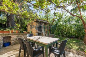 L'Agenzia Immobiliare Puzielliproponevilla con parco in vendita vicino Ascoli Piceno nelle Marche (20)