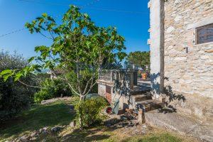 L'Agenzia Immobiliare Puzielliproponevilla con parco in vendita vicino Ascoli Piceno nelle Marche (21)