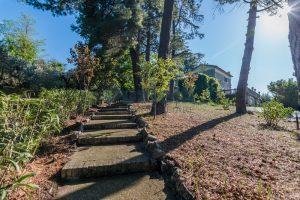 L'Agenzia Immobiliare Puzielliproponevilla con parco in vendita vicino Ascoli Piceno nelle Marche (31)