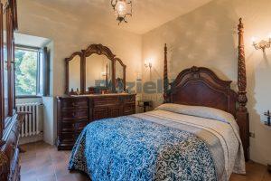 L'Agenzia Immobiliare Puzielliproponevilla con parco in vendita vicino Ascoli Piceno nelle Marche (45)