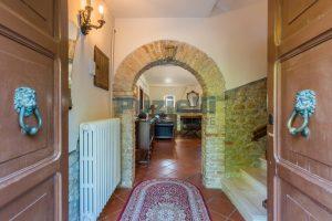 L'Agenzia Immobiliare Puzielliproponevilla con parco in vendita vicino Ascoli Piceno nelle Marche (47)
