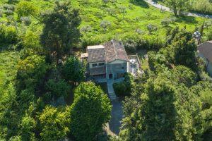 L'Agenzia Immobiliare Puzielliproponevilla con parco in vendita vicino Ascoli Piceno nelle Marche (5)