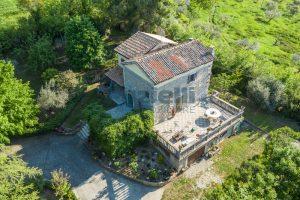 L'Agenzia Immobiliare Puzielliproponevilla con parco in vendita vicino Ascoli Piceno nelle Marche (7)