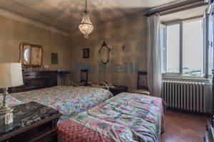 L'Agenzia Immobiliare Puzielli, propone casa con terrazzo in vendita nel centro storico di Fermo (15)