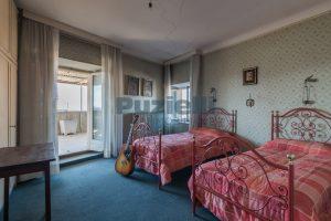 L'Agenzia Immobiliare Puzielli, propone casa con terrazzo in vendita nel centro storico di Fermo (18)
