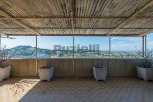 L'Agenzia Immobiliare Puzielli, propone casa con terrazzo in vendita nel centro storico di Fermo (19)