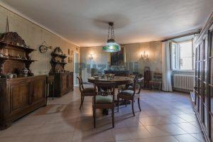 L'Agenzia Immobiliare Puzielli, propone casa con terrazzo in vendita nel centro storico di Fermo (4)