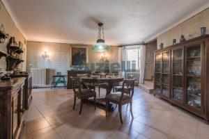 L'Agenzia Immobiliare Puzielli, propone casa con terrazzo in vendita nel centro storico di Fermo (5)