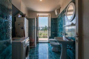 L'Agenzia Immobiliare Puzielli, propone casa con terrazzo in vendita nel centro storico di Fermo (9)