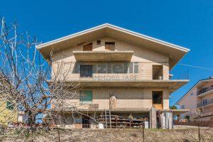 L'Agenzia Immobiliare Puzielliproponeappartamento al grezzo su casa bifamiliare in vendita a Fermo (12)