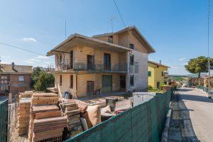 L'Agenzia Immobiliare Puzielliproponeappartamento al grezzo su casa bifamiliare in vendita a Fermo (5)