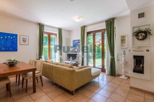 L'Agenzia Immobiliare Puzielli, proponeappartamento con giardino in vendita a Pedaso (1)