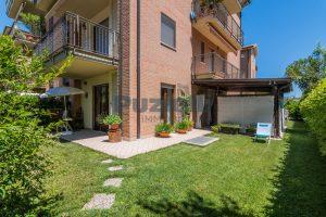 L'Agenzia Immobiliare Puzielli, proponeappartamento con giardino in vendita a Pedaso (18)