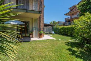 L'Agenzia Immobiliare Puzielli, proponeappartamento con giardino in vendita a Pedaso (21)