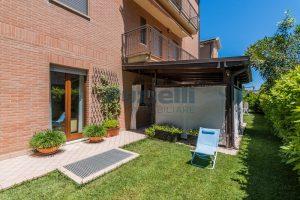 L'Agenzia Immobiliare Puzielli, proponeappartamento con giardino in vendita a Pedaso (23)