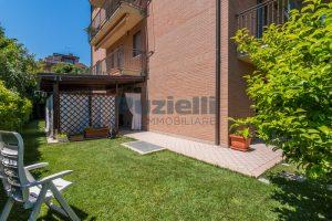 L'Agenzia Immobiliare Puzielli, proponeappartamento con giardino in vendita a Pedaso (24)