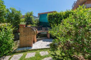 L'Agenzia Immobiliare Puzielli, proponeappartamento con giardino in vendita a Pedaso (26)