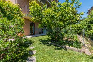 L'Agenzia Immobiliare Puzielli, proponeappartamento con giardino in vendita a Pedaso (27)