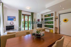 L'Agenzia Immobiliare Puzielli, proponeappartamento con giardino in vendita a Pedaso (3)