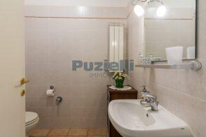 L'Agenzia Immobiliare Puzielli, proponeappartamento con giardino in vendita a Pedaso (7)