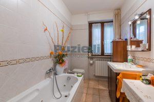 L'Agenzia Immobiliare Puzielli, proponeappartamento con giardino in vendita a Pedaso (9)