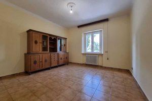 L'Agenzia Immobiliare Puzielli, propone appartamento con giardino in vendita a Santa Caterina (12)
