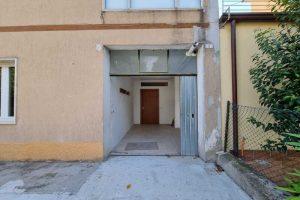 L'Agenzia Immobiliare Puzielli, propone appartamento con giardino in vendita a Santa Caterina (2)