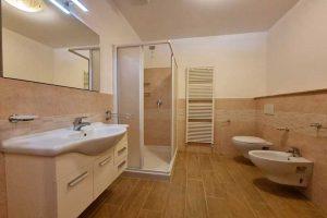 L'Agenzia Immobiliare Puzielli, propone appartamento con giardino in vendita a Santa Caterina (20)