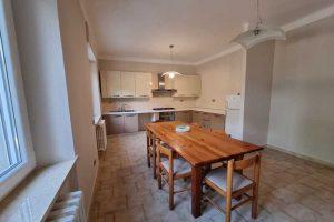 L'Agenzia Immobiliare Puzielli, propone appartamento con giardino in vendita a Santa Caterina (22)