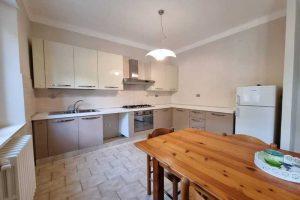 L'Agenzia Immobiliare Puzielli, propone appartamento con giardino in vendita a Santa Caterina (25)