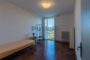 L'Agenzia Immobiliare Puzielli propone casa con terrazzo vista mare e monti in vendita nel centro storico di Fermo (10)