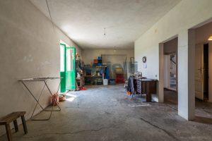 L'Agenzia Immobiliare Puzielli propone casa singola con giardino in vendita a Fermo (1)