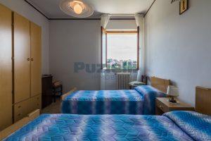 L'Agenzia Immobiliare Puzielli propone casa singola con giardino in vendita a Fermo (13)