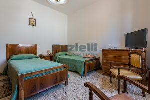 L'Agenzia Immobiliare Puzielli propone casa singola con giardino in vendita a Fermo (17)