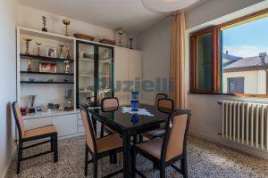 L'Agenzia Immobiliare Puzielli propone casa singola con giardino in vendita a Fermo (19)