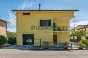 L'Agenzia Immobiliare Puzielli propone casa singola con giardino in vendita a Fermo (33)