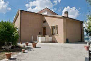 Casa singola con giardino in vendita a Grottazzolina