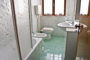 L'Agenzia Immobiliare Puzielli propone casa singola in vendita a Grottazzolina (18)