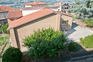 L'Agenzia Immobiliare Puzielli propone casa singola in vendita a Grottazzolina (27)