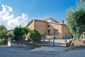 L'Agenzia Immobiliare Puzielli propone casa singola in vendita a Grottazzolina (29)