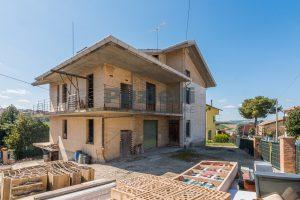 Appartamento al grezzo su casa bifamiliare in vendita a Fermo