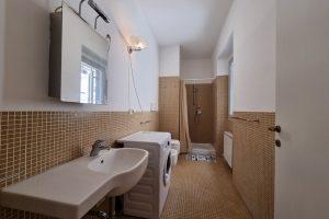 L'Agenzia Immobiliare Puzielli, proponebilocale in vendita nel centro storico di Fermo (2)